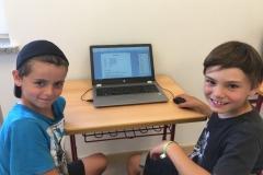 Förderverein spendet zwei Laptops